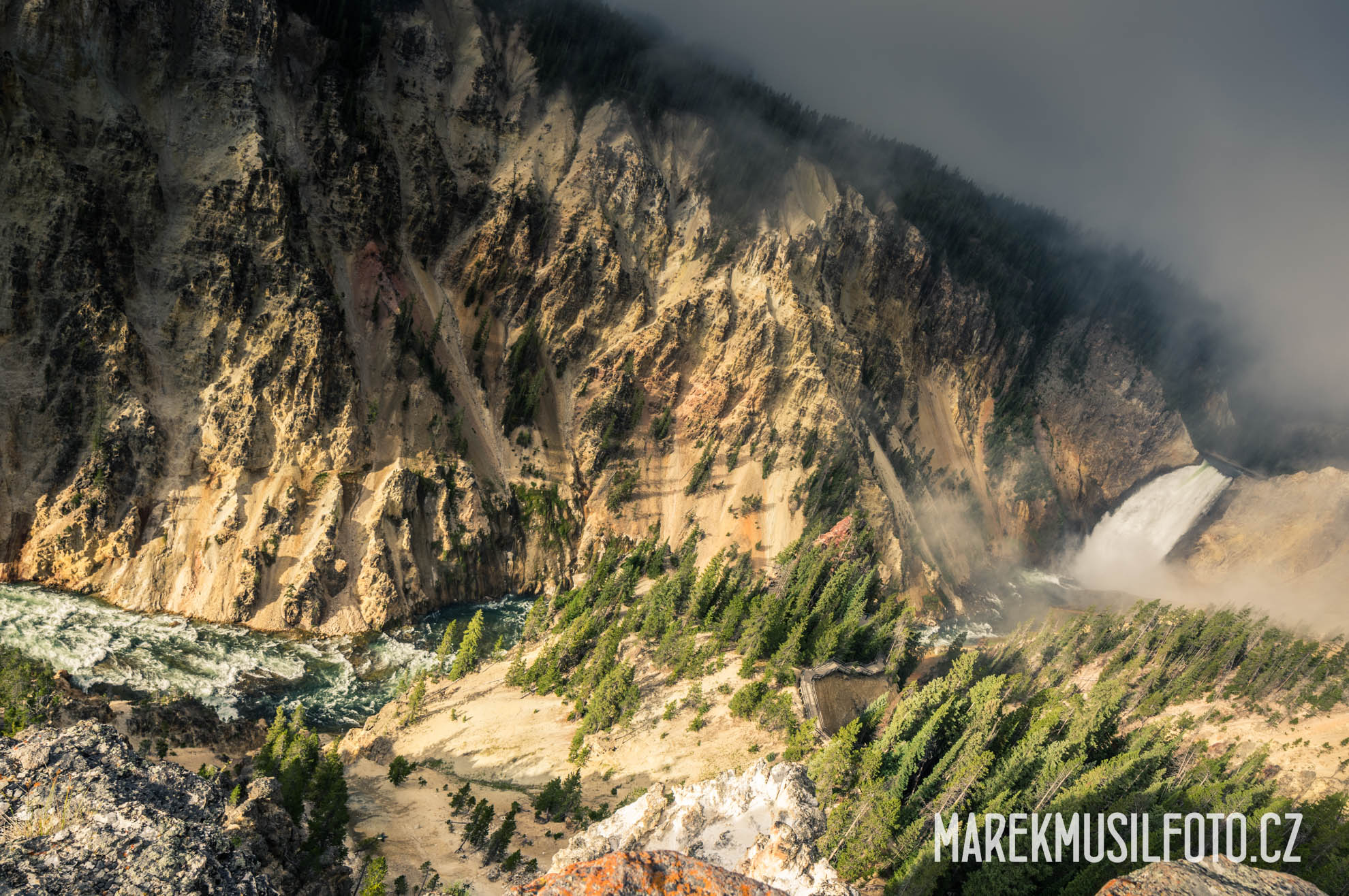 Cesta po USA - Yellowstone Upper Falls