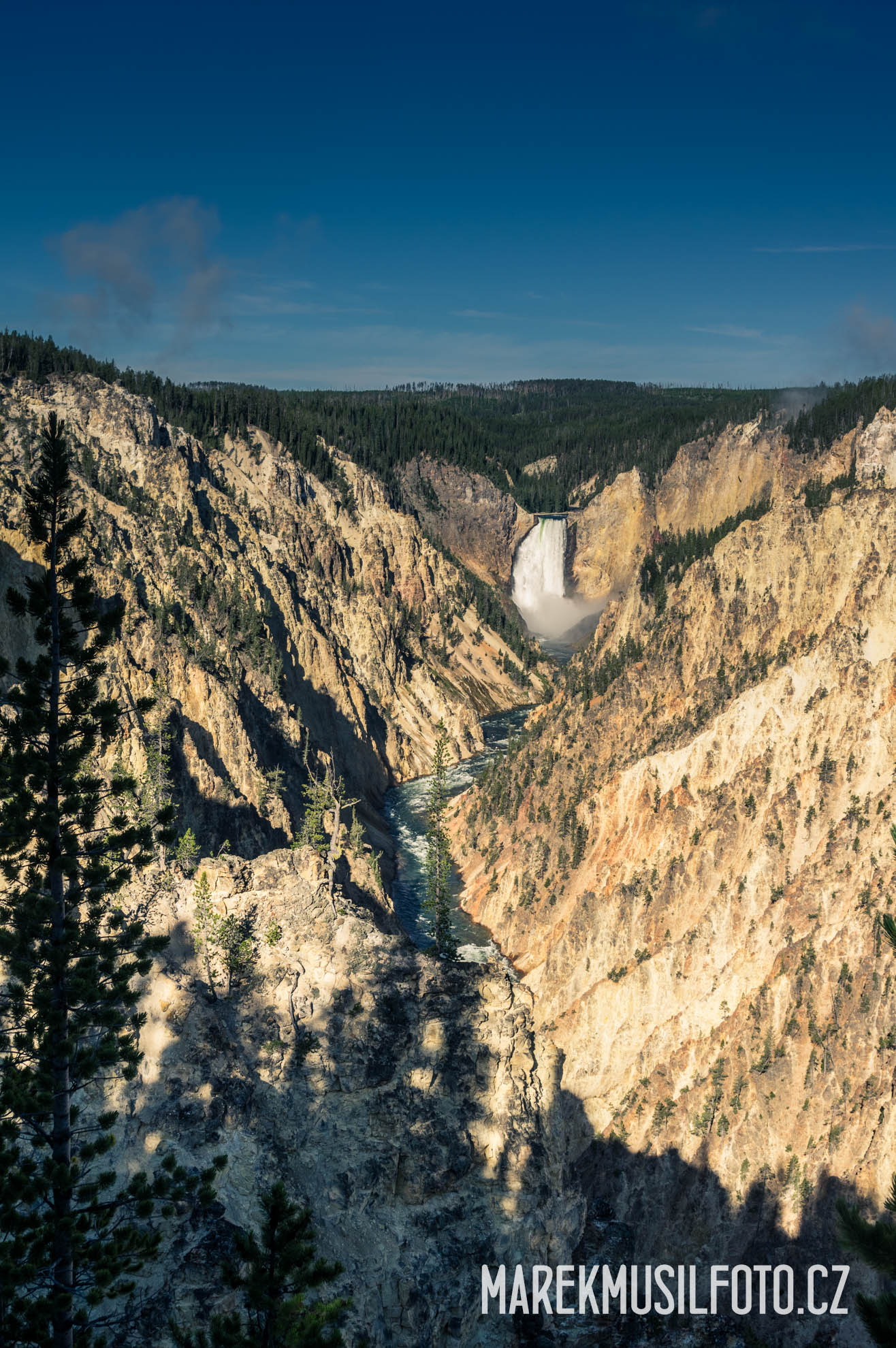 Cesta po USA - Yellowstone Upper Falls